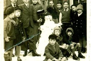 03-sneeuwpop-dovenschool.jpg
