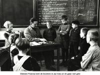 1940-Postma-les-over-geld.jpg